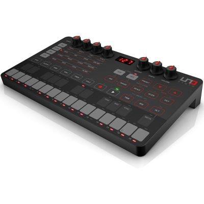 IK Multimedia UNO Synth - sintetizzatore analogico monofonico